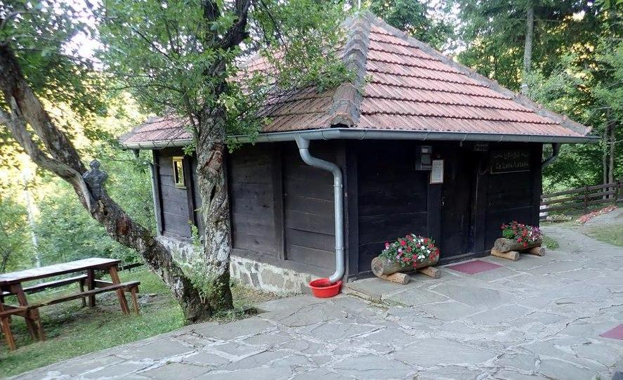 Crkva brvnara Lazarica, Prolom