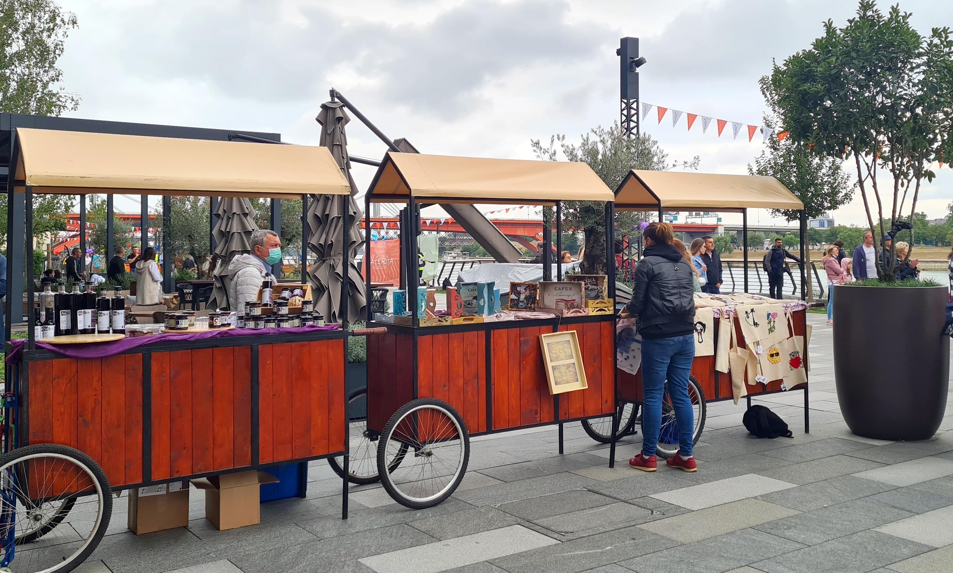 Karneval brodova, bazar rukotvorina, ISTN